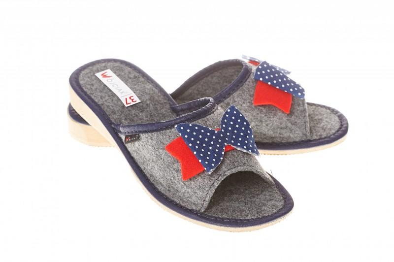 Pantofle damskie model 113 - 1