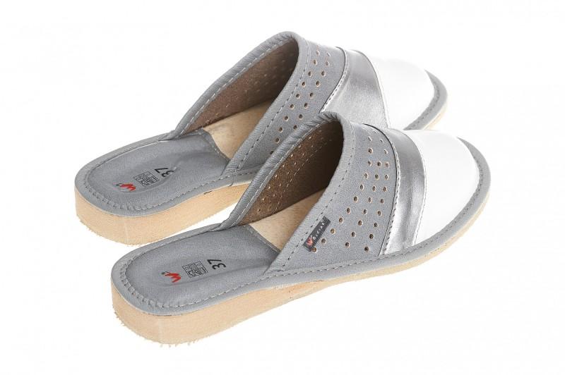 Pantofle damskie model 150 - 2