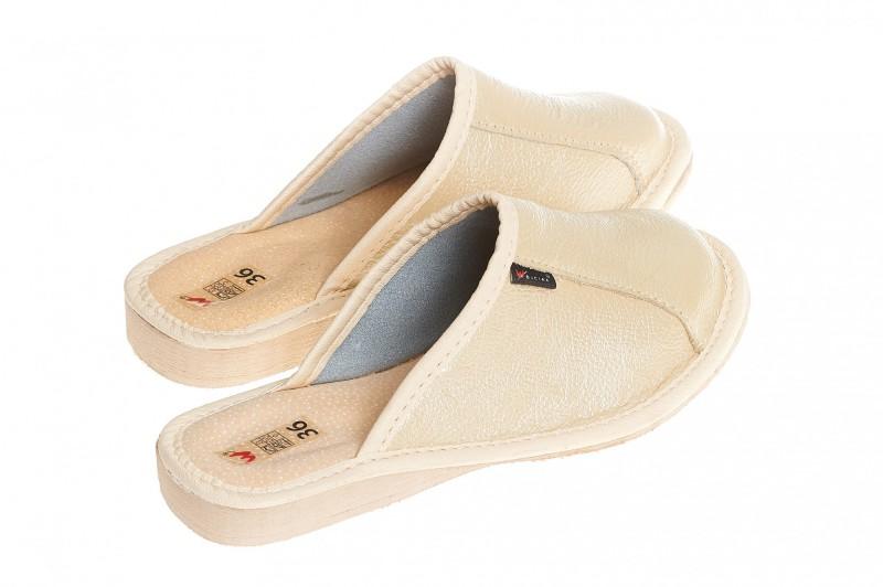 Pantofle damskie model 154 - 2