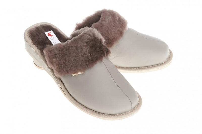 Pantofle damskie model 193 - 1