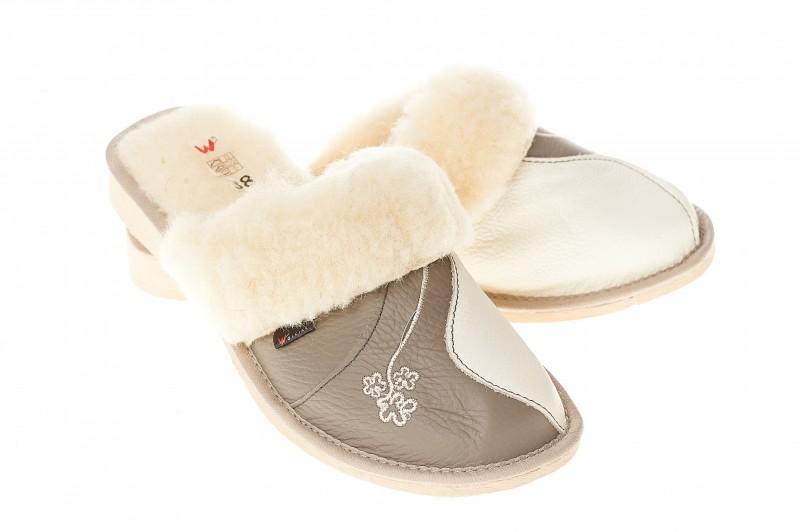 Pantofle damskie model 205 - 1