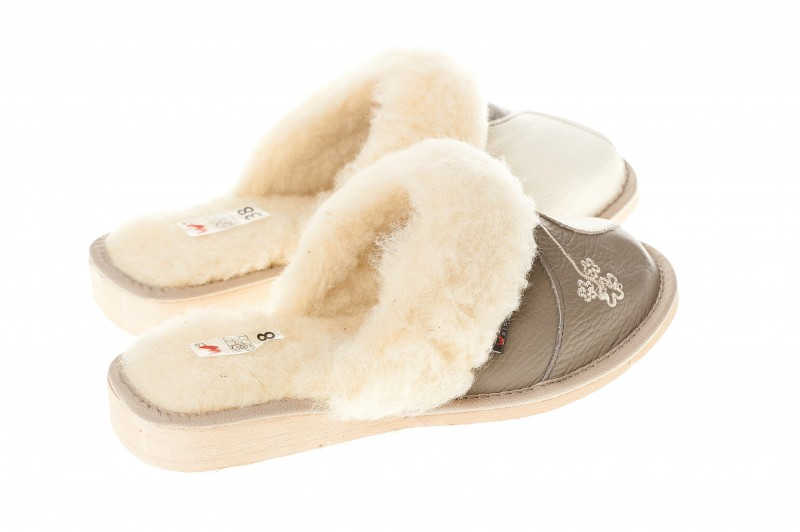 Pantofle damskie model 205 - 2