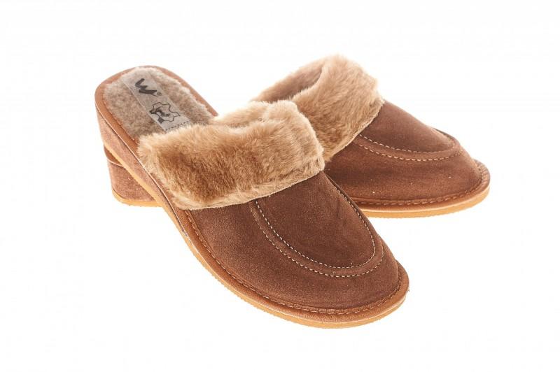 Pantofle damskie model 210 - 1