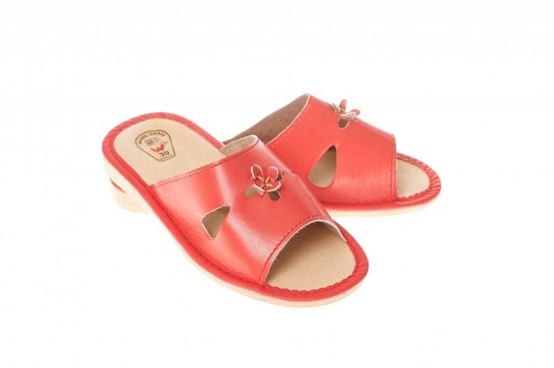 Pantofle dziecięce model 305 - 1