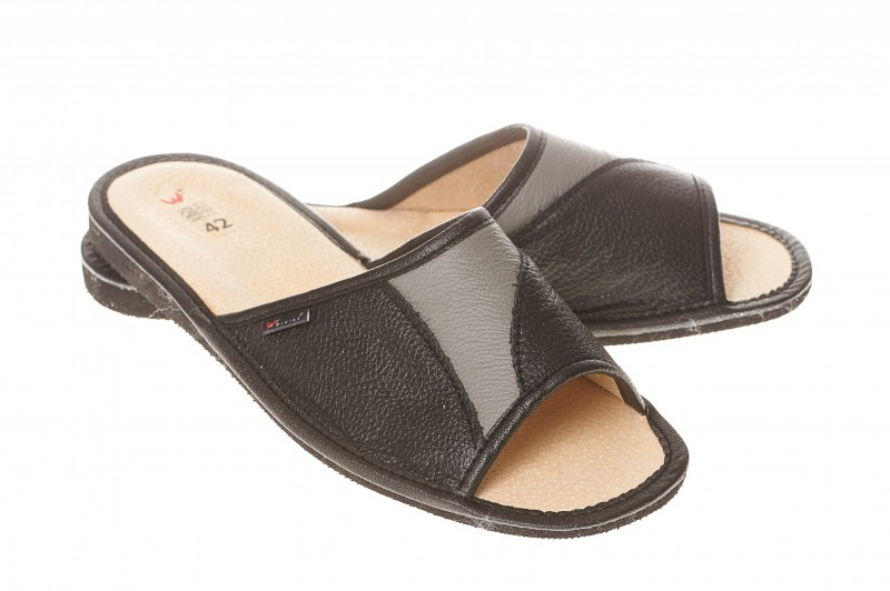 Pantofle męskie model 251 - 1