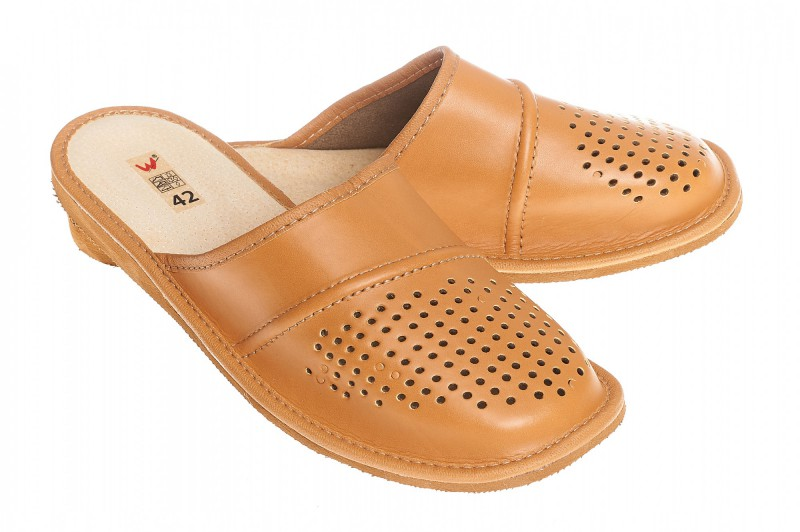 Pantofle męskie model 260 - 1