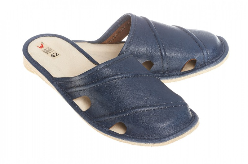 Pantofle męskie model 261 - 1